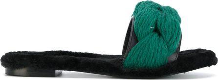 Avec ModèRation braided sandals