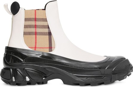 Burberry London England Vintage Check detail chelsea boots