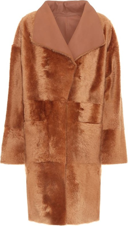 Common Leisure Spring reversible shearling coat