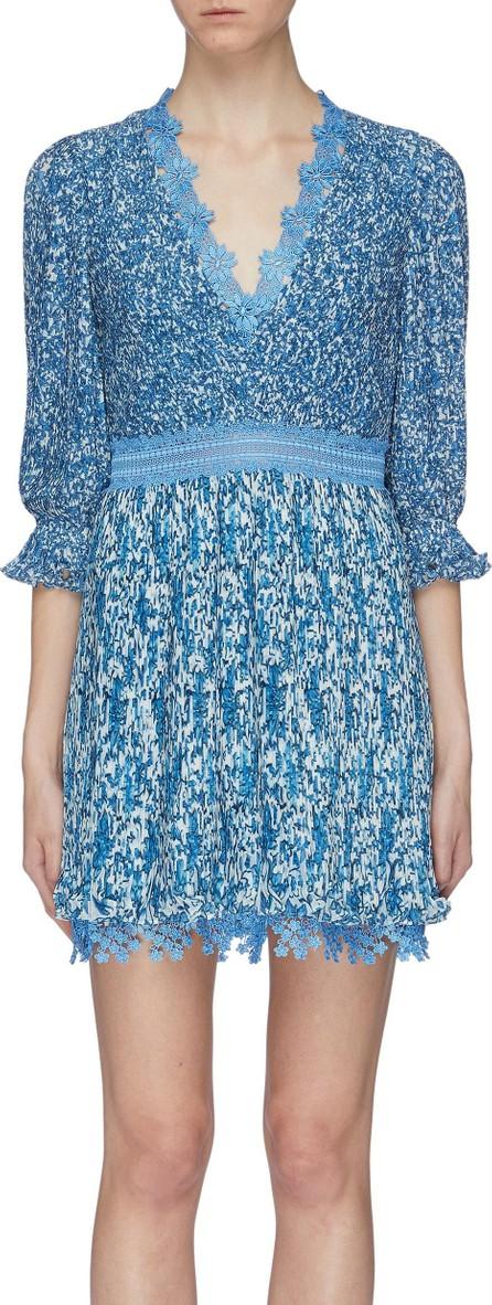 Alice + Olivia 'Jonna' lace trim floral print pleated mini dress