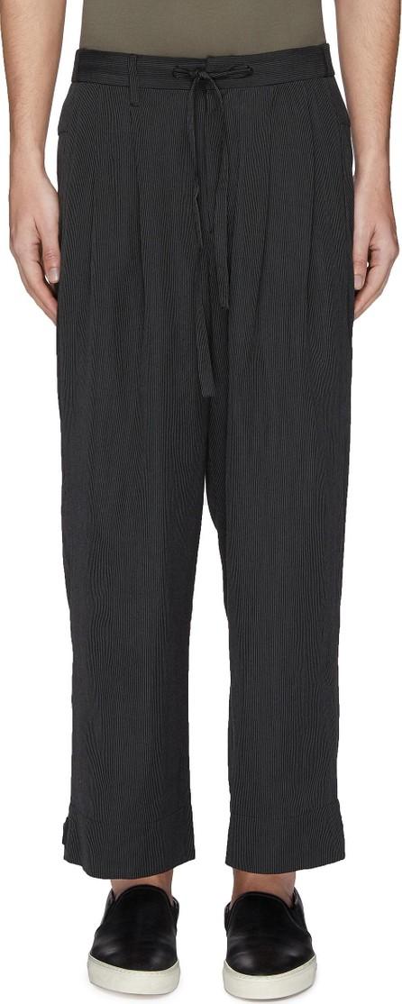 ATTACHMENT Pleated stripe drop crotch jogging pants