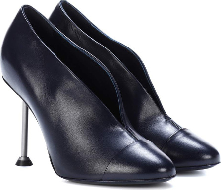 Victoria Beckham Pin leather pumps