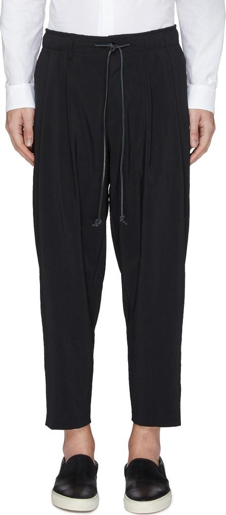 ATTACHMENT Pleated drop crotch jogging pants