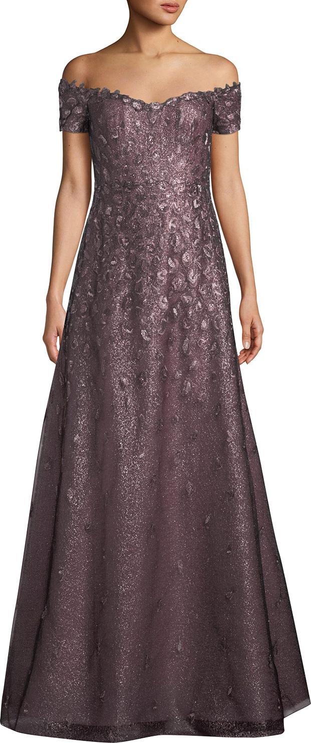 RENE RUIZ Off-the-Shoulder Lace Gown in Purple - mkt
