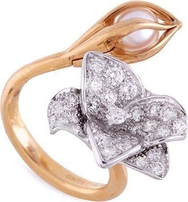 Mellerio 'Bourgeons de Lys' pearl floral ring