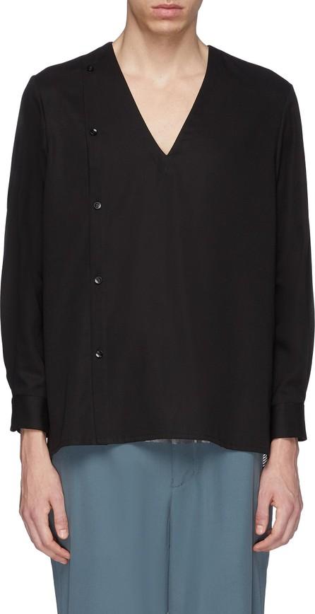 ETHOSENS Button side V-neck shirt
