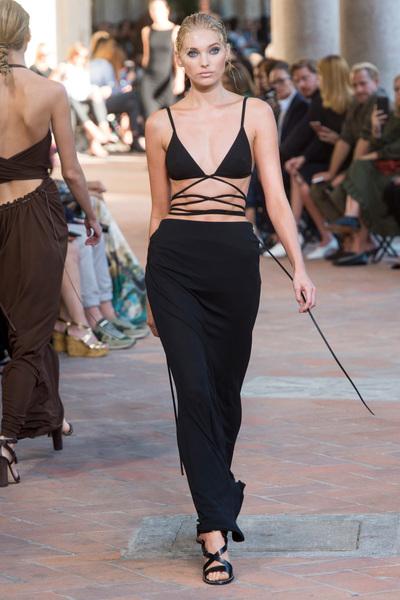 Alberta Ferretti Spring 2018 Ready-to-Wear - Look #10