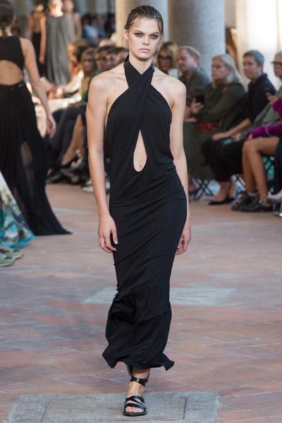 Alberta Ferretti Spring 2018 Ready-to-Wear - Look #15