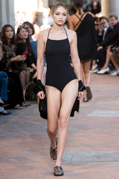 Alberta Ferretti Spring 2018 Ready-to-Wear - Look #2