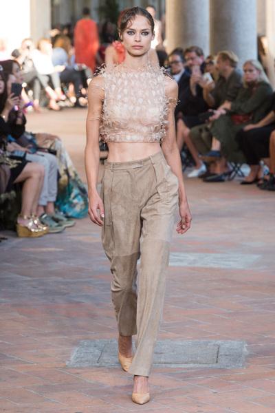 Alberta Ferretti Spring 2018 Ready-to-Wear - Look #25