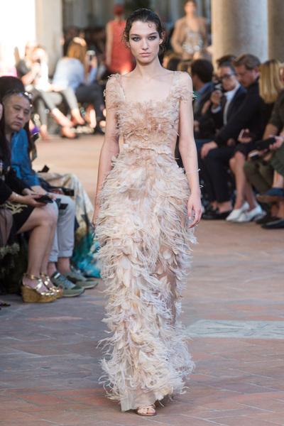 Alberta Ferretti Spring 2018 Ready-to-Wear - Look #26