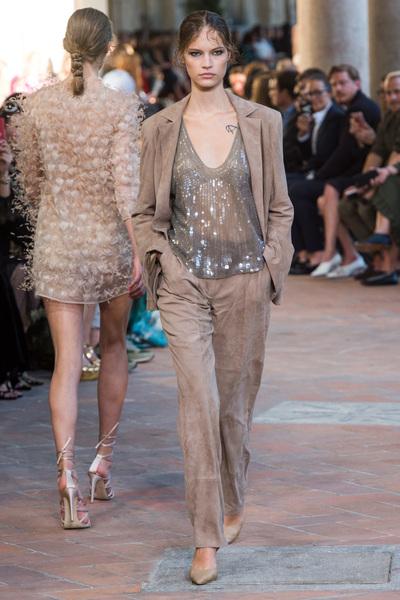 Alberta Ferretti Spring 2018 Ready-to-Wear - Look #28