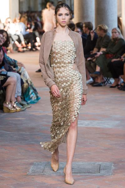 Alberta Ferretti Spring 2018 Ready-to-Wear - Look #29