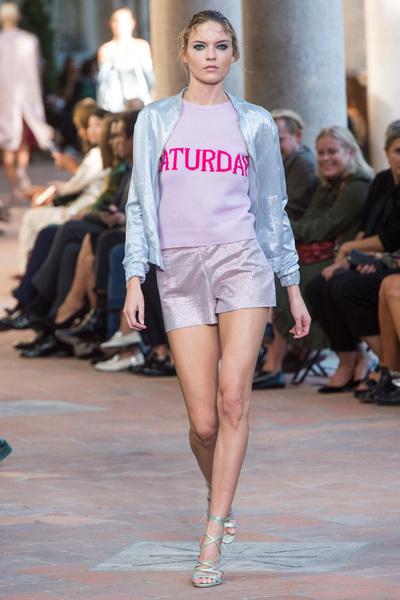 Alberta Ferretti Spring 2018 Ready-to-Wear - Look #42