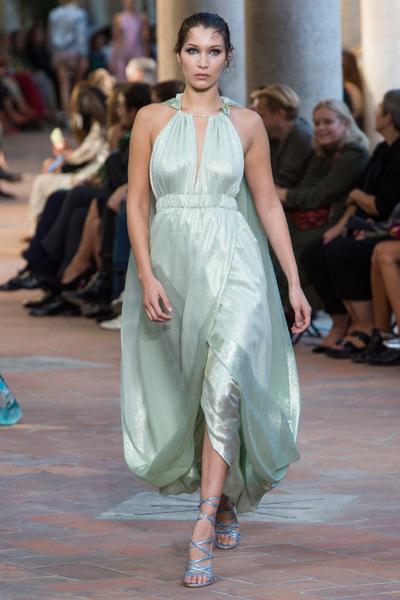 Alberta Ferretti Spring 2018 Ready-to-Wear - Look #45