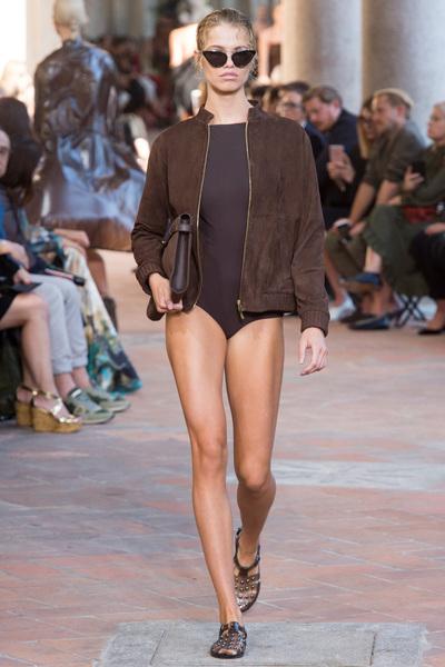 Alberta Ferretti Spring 2018 Ready-to-Wear - Look #8