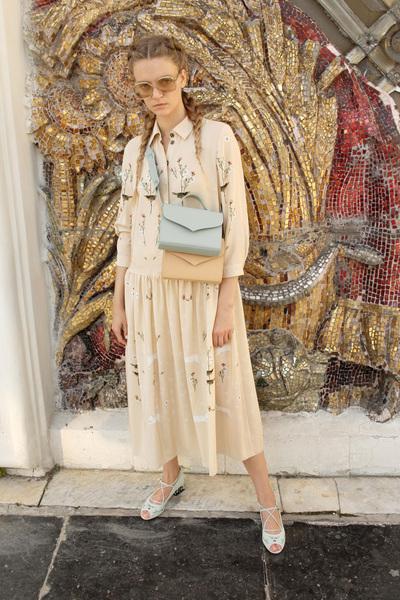Alena Akhmadullina Spring 2018 Ready-to-Wear - Look #10