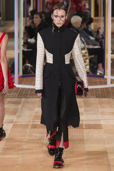Alexander McQueen Spring 2018 Ready-to-Wear - Look #13