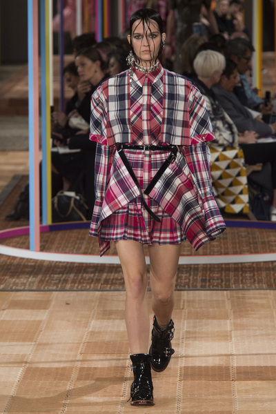 Alexander McQueen Spring 2018 Ready-to-Wear - Look #21