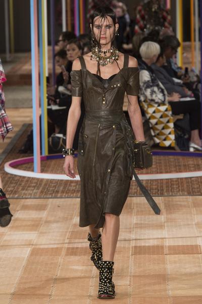 Alexander McQueen Spring 2018 Ready-to-Wear - Look #22