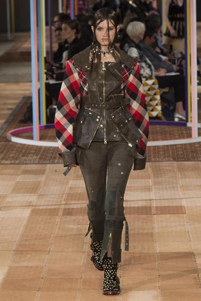 Alexander McQueen Spring 2018 Ready-to-Wear - Look #23