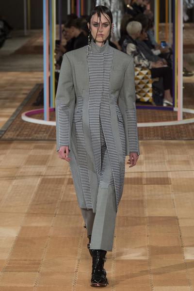 Alexander McQueen Spring 2018 Ready-to-Wear - Look #27