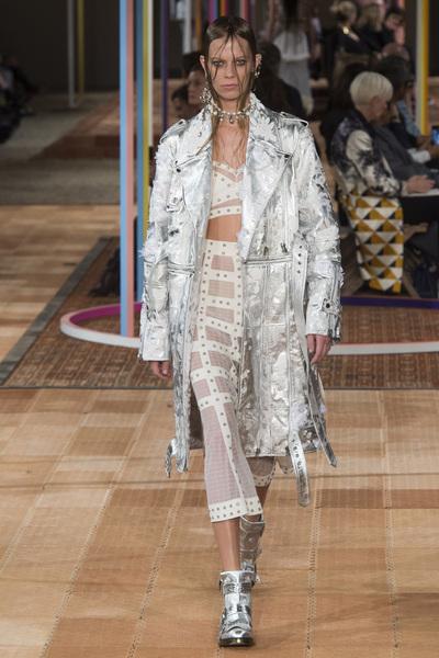 Alexander McQueen Spring 2018 Ready-to-Wear - Look #28