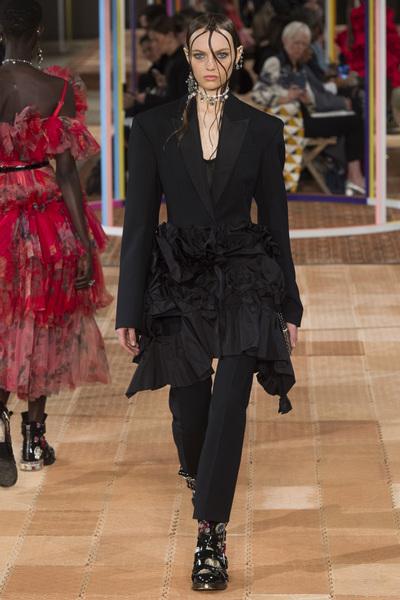 Alexander McQueen Spring 2018 Ready-to-Wear - Look #38