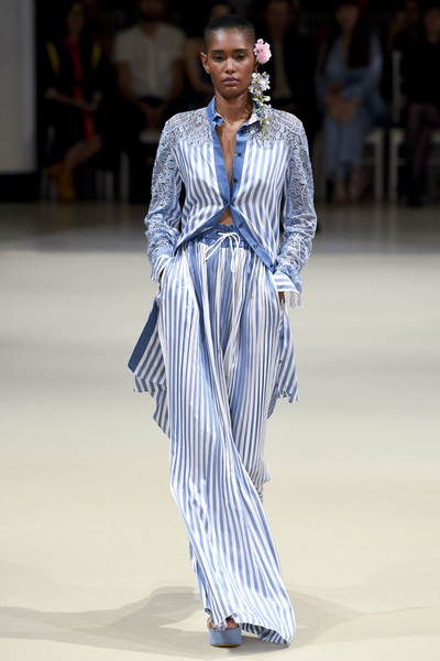 Alexis Mabille Spring 2018 Ready-to-Wear - Look #26