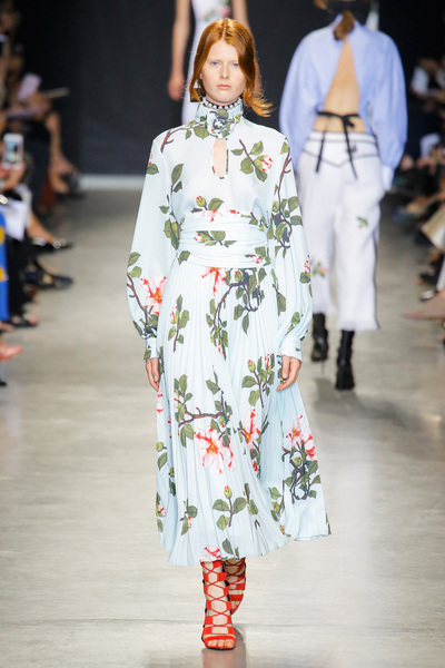Andrew Gn Spring 2018 Ready-to-Wear - Look #18