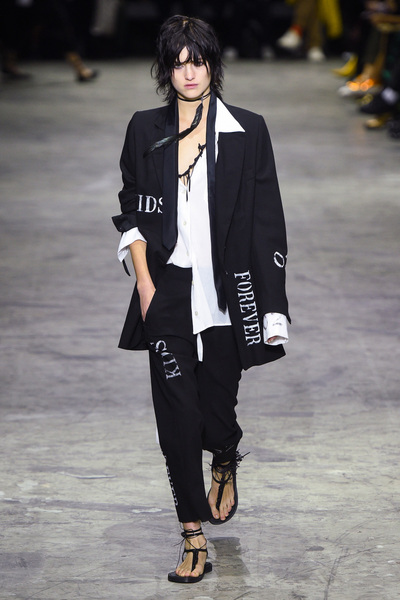 Ann Demeulemeester Spring 2018 Ready-to-Wear - Look #1