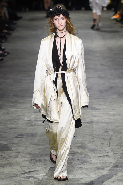 Ann Demeulemeester Spring 2018 Ready-to-Wear - Look #14