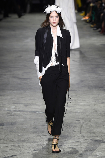 Ann Demeulemeester Spring 2018 Ready-to-Wear - Look #16