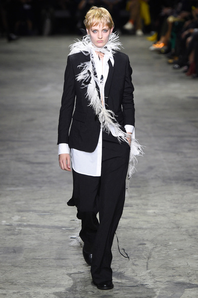 Ann Demeulemeester Spring 2018 Ready-to-Wear - Look #18