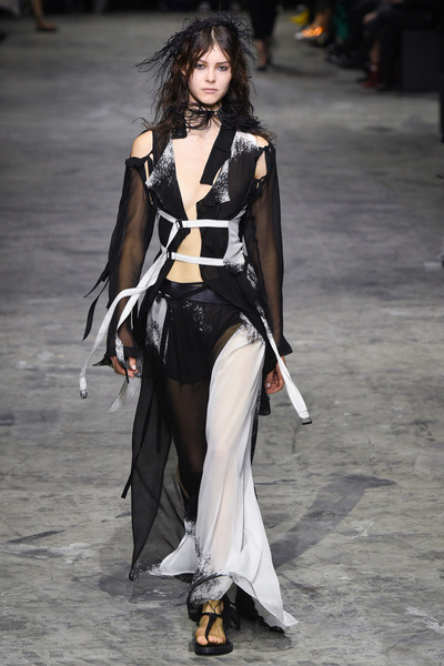 Ann Demeulemeester Spring 2018 Ready-to-Wear - Look #23