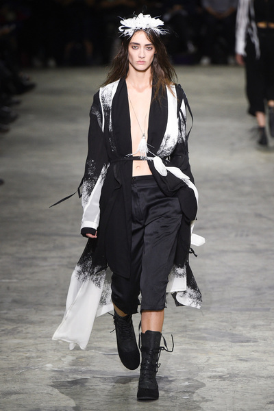 Ann Demeulemeester Spring 2018 Ready-to-Wear - Look #25