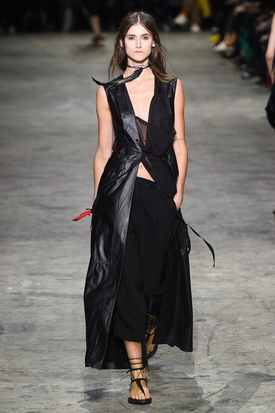 Ann Demeulemeester Spring 2018 Ready-to-Wear - Look #26
