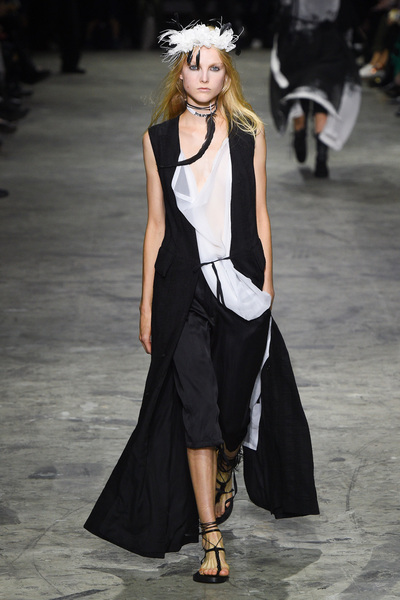 Ann Demeulemeester Spring 2018 Ready-to-Wear - Look #29