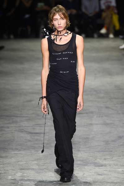 Ann Demeulemeester Spring 2018 Ready-to-Wear - Look #30