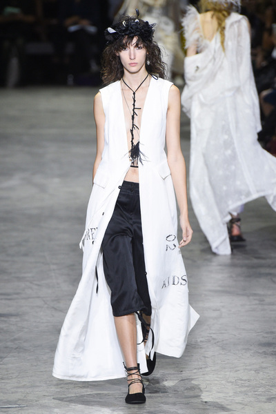 Ann Demeulemeester Spring 2018 Ready-to-Wear - Look #35