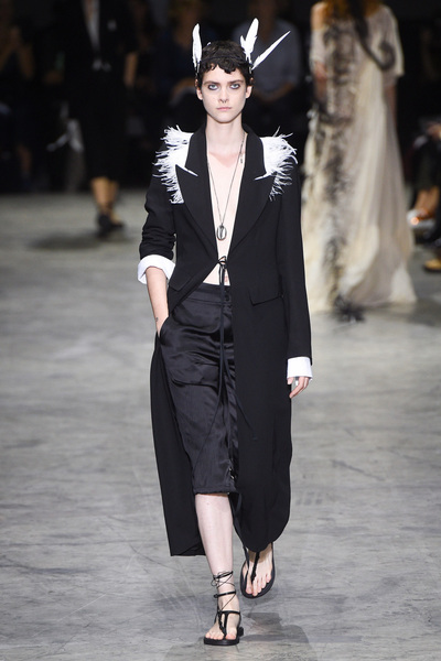 Ann Demeulemeester Spring 2018 Ready-to-Wear - Look #38