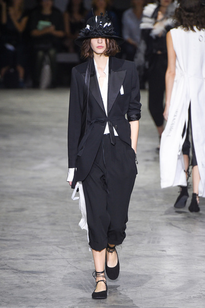Ann Demeulemeester Spring 2018 Ready-to-Wear - Look #39