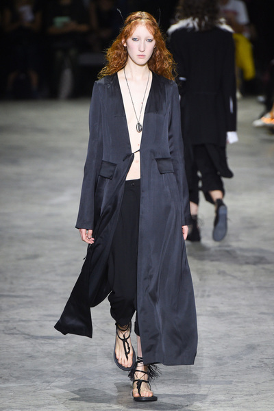 Ann Demeulemeester Spring 2018 Ready-to-Wear - Look #6
