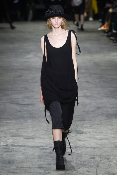 Ann Demeulemeester Spring 2018 Ready-to-Wear - Look #7