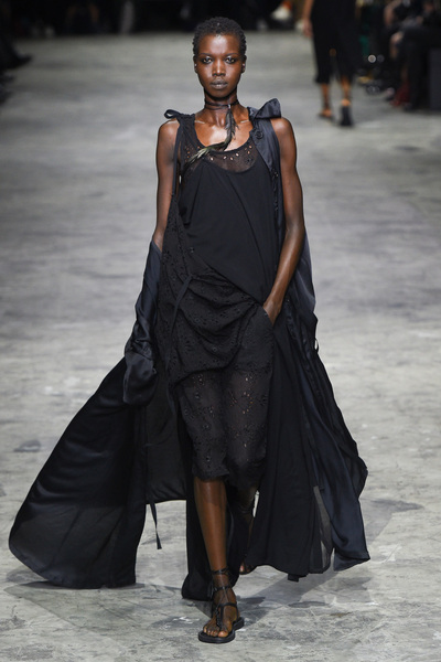 Ann Demeulemeester Spring 2018 Ready-to-Wear - Look #8