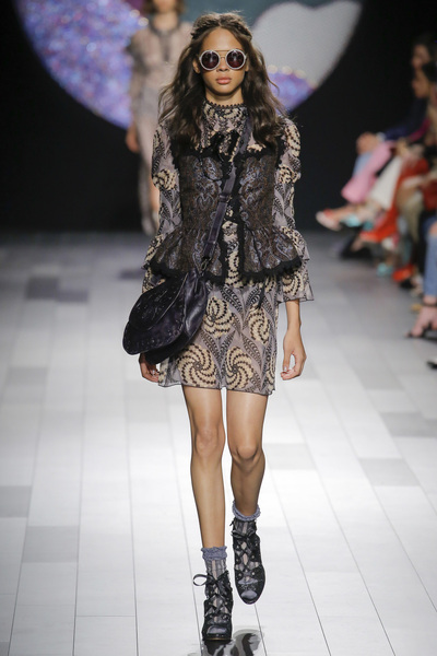 Anna Sui Spring 2018 Ready-to-Wear - Look #31
