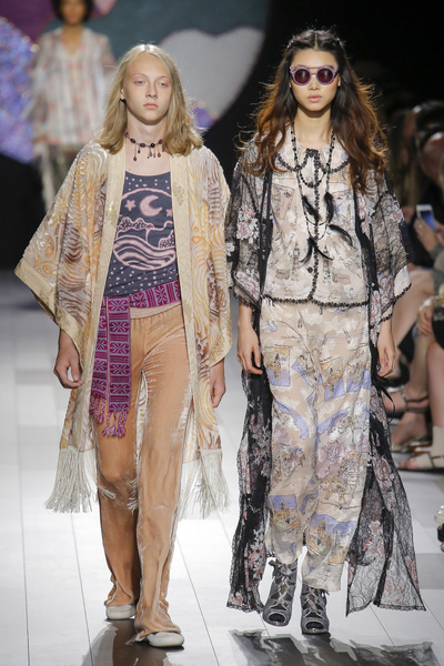 Anna Sui Spring 2018 Ready-to-Wear - Look #44