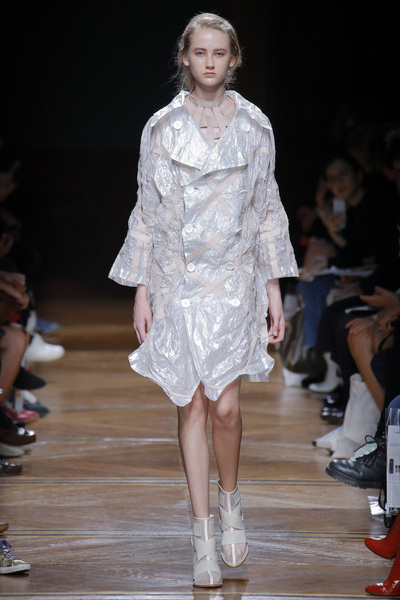 Anrealage Spring 2018 Ready-to-Wear - Look #13