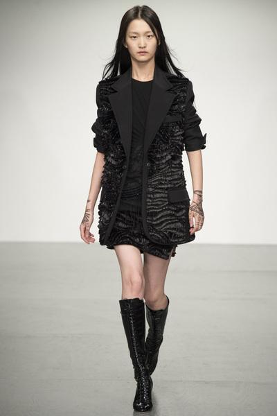 Antonio Berardi Spring 2018 Ready-to-Wear - Look #38