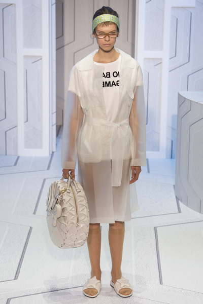 Anya Hindmarch Spring 2018 Ready-to-Wear - Look #11